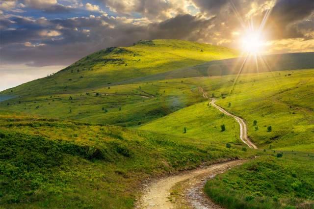 road.mountain-sunset
