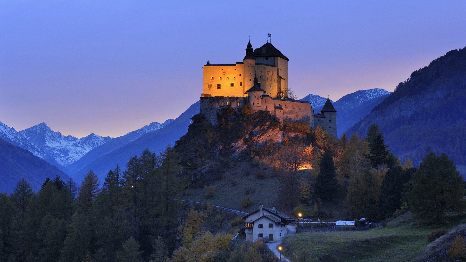 tarasp-castle--1